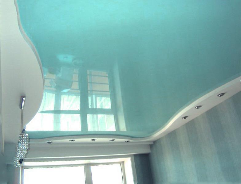 Натяжной потолок мятного цвета
